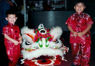 chinese new year kids lion dance