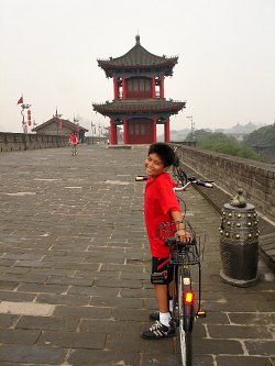 Cycling on the Xian Wall is a great activity with the kids