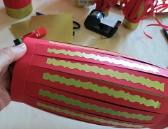 Making   Chinese New Year Lanterns Step 8