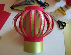 Making   Chinese New Year Lanterns Step 9