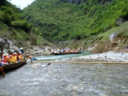 Cruising the Shennong Stream
