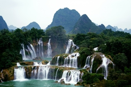 Green Travel China, Detian Waterfalls, China