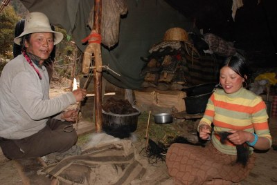 Tibet with children - Danba nomad tent
