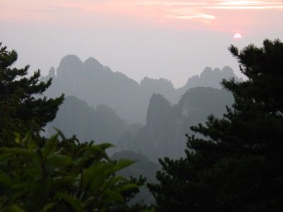 Chinese Mountains - Sunrise in Huangshan