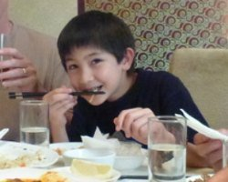 Kids can learn quickly how to eat with chopsticks